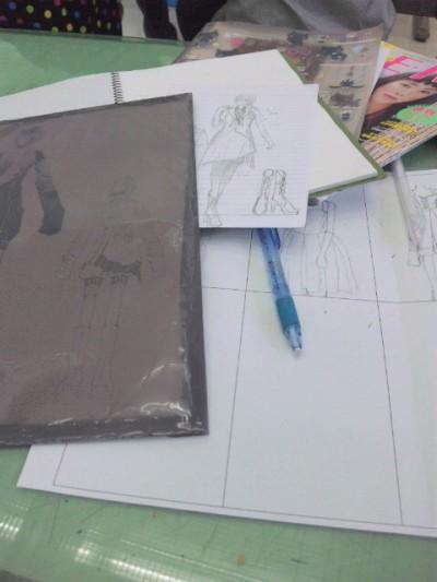 デザインの授業がありました(●^∀^●)